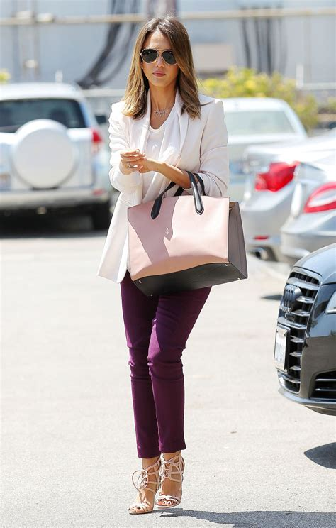 jessica alba casual style heads   office  santa