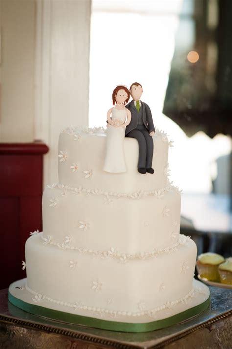 Shaped Wedding Cakes by 13 Perfectly Sweet Shaped Wedding Cakes