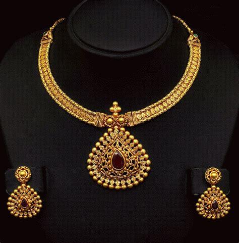 Antique Gold Necklace Set   Jewellery Designs