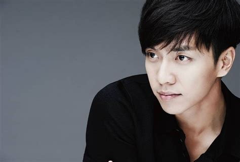 lee seung gi lee seung gi s agency denies rumors he has a twin sister
