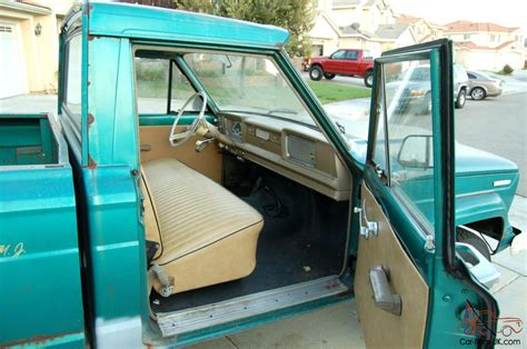 1967 jeep gladiator interior 1967 jeep gladiator quot sprucetip green quot 6 great