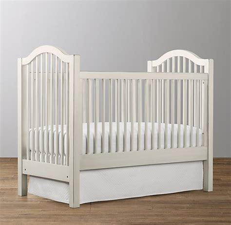 Spindle Crib by Antique Spindle Crib
