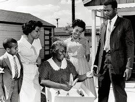 how does hansberry use asagai to reflect the theme of a raisin in the sun a rasin in the sun walter lee younger