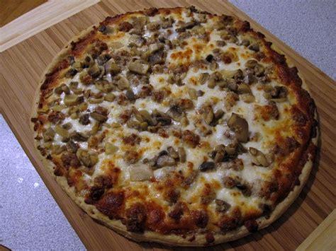 built in 2007 the home run inn pizzeria in bolingbrook chicago essential home run inn serious eats