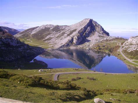 La Lago by Lagos De Covadonga La Enciclopedia Libre
