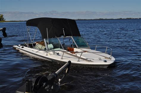 walleye fishing boats walleye boat sinks quick in chilly lake the hull truth