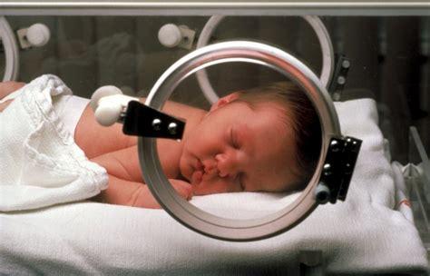 sta foto cuscino babybe il cuscino hi tech che salva i bimbi prematuri