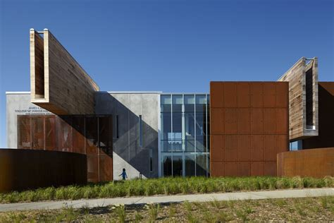 design and manufacturing umn ross barney architects the university of minnesota duluth