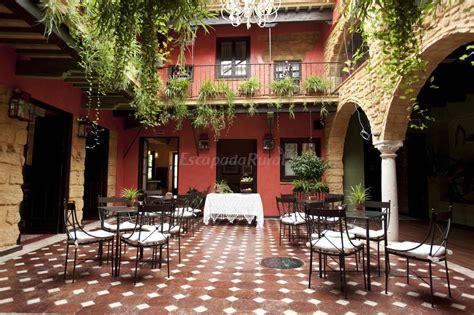 patio andaluz sevilla fotos de la casona de calder 243 n hotel museo casa rural en