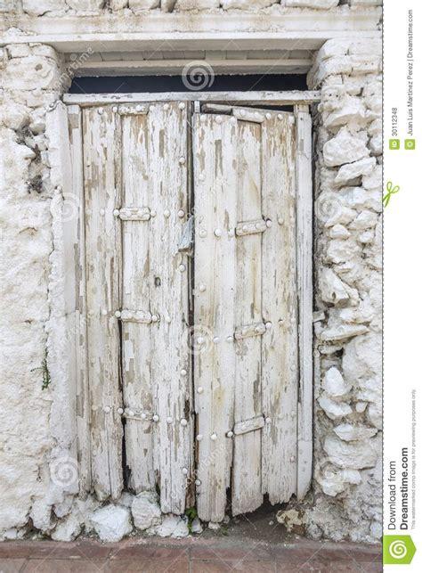 white door stock photo image of abandoned door white 30112348