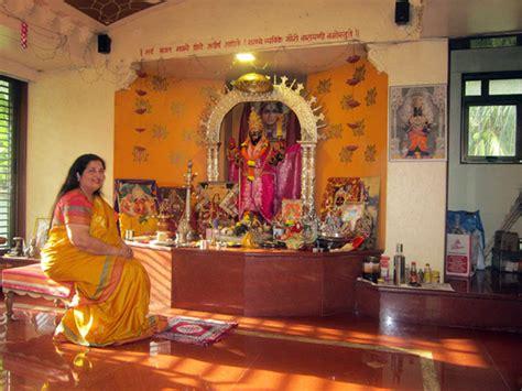 pix singer anuradha paudwals lavish mumbai home rediffcom movies