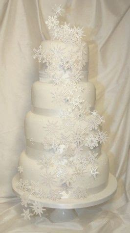 Best 25  Snowflake wedding cake ideas on Pinterest