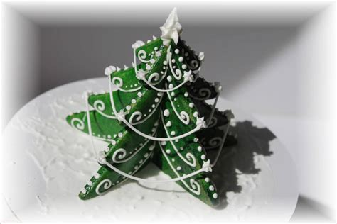 3d christmas tree cookie cutter 2 piece set by