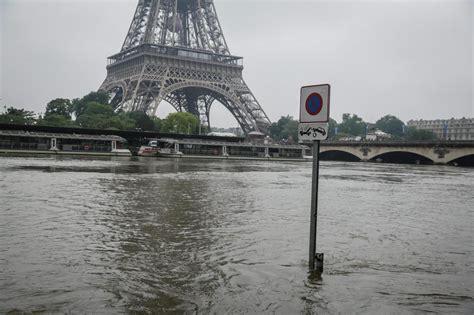 parigi web in diretta parigi scende il livello della senna dopo l alluvione