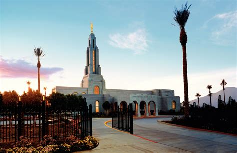 christmas in redlands ca redlands california temple at sunset