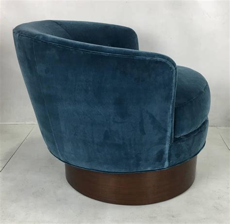 Pair Of Swivel Barrel Chairs After Milo Baughman For Sale Swivel Barrel Chairs For Sale