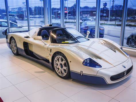 maserati mc12 race car maserati mc 12 race car editorial photography image of