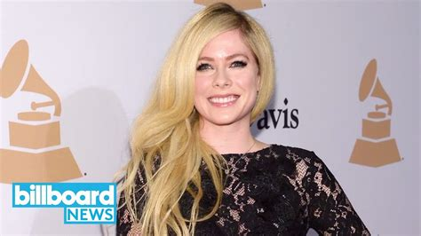 breaking music news billboard avril lavigne posts message to fans promising new music