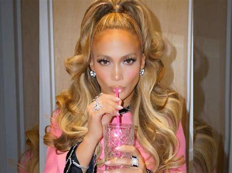 Jennifer Lopez Stuns (Again) With Retro Barbie Doll Vibes