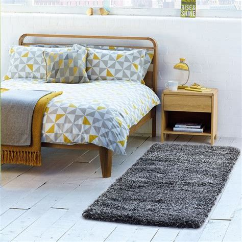 Yellow Bedding Sets Uk The 25 Best Ideas About Yellow Bed On Mustard Yellow Bedrooms Yellow Apartment