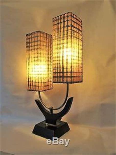 Vintage Majestic Table Lamp Original Fiberglass Shades Mid