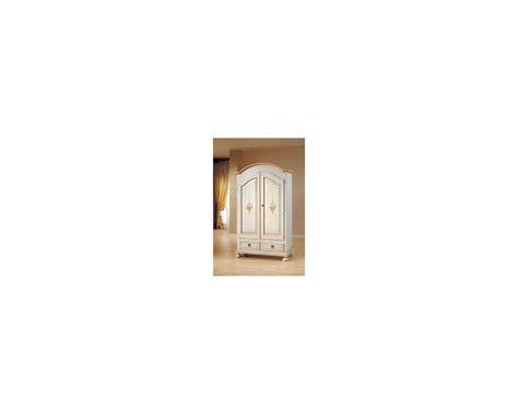 armadi in legno massello prezzi armadio decorato 2 ante legno massello