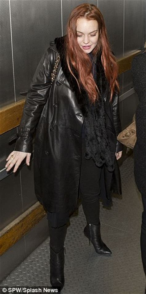 Beware Nyc Lohan Has Arrived by Lindsay Lohan Punched Mitchell As She Tried