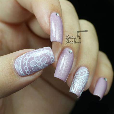 Lace Nail St