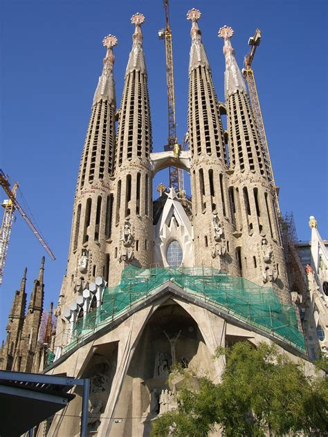 10 cool facts you need to know about the Fabulous Sagrada