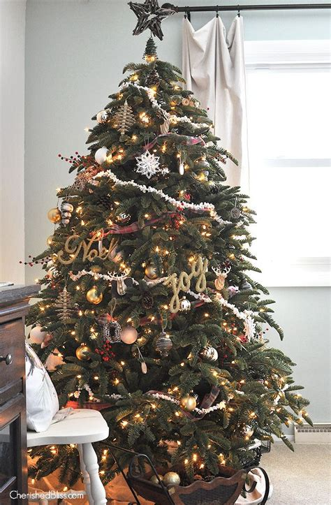 decorating a christmas tree to look old fashioned 1000 ideas about popcorn garland on garlands and ornaments