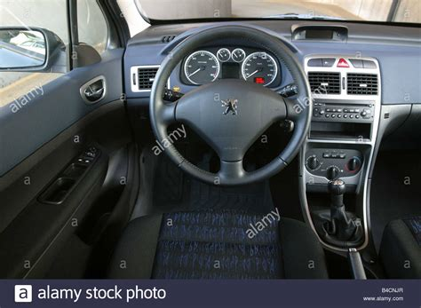peugeot car interior car peugeot 307 sw hatchback lower middle sized class