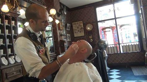 Dapper Dan S Hair Cuts Barbier De Main Street Usa