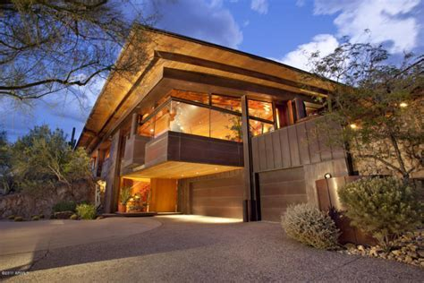 Beautiful Contemporary Luxury Homes in Paradise Valley
