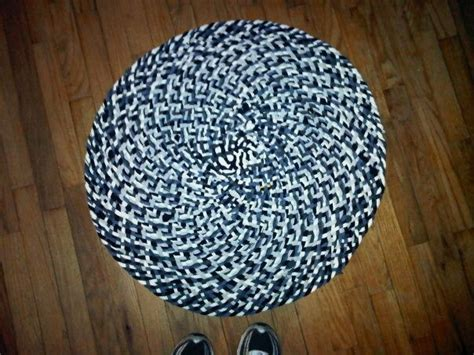 braided tshirt rug no sew 17 best images about craft ideas to try on craft tables white and silhouette