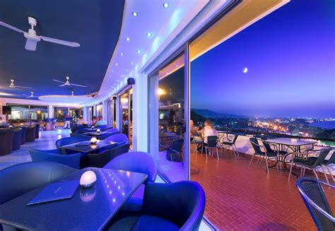 Bar Cupola by Olympic Palace Hotel Images
