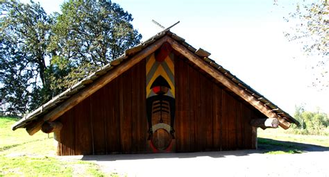 Plank House by Pacific Northwest Coast Americans Breeds Picture