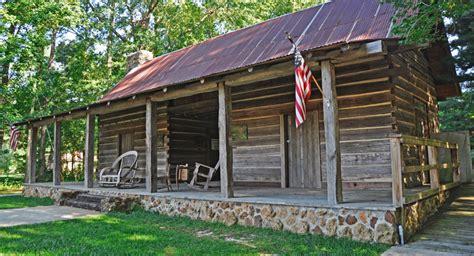dog house needham dogtrot log cabin at the broadhead memorial park in