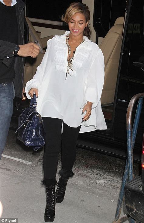 How Do You Rate Beyonces Casual Look by Beyonce Parades Baby Bump In Stylish