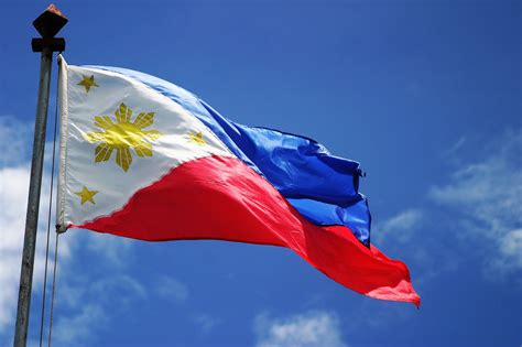 download image philippines national flag pc android iphone and ipad filipino flag wallpaper wallpapersafari