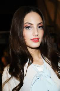 recovering a sofa alfa img showing gt alexa ray joel pictures when she was young
