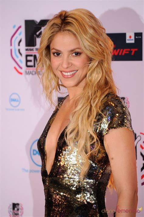 mtv espaa tv series videos moda canciones artistas shakira en la gala de los mtv awards en espa 241 a