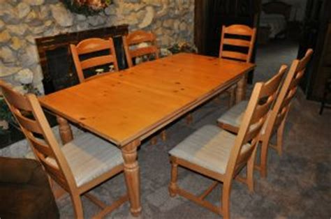 dining table furniture broyhill fontana dining table