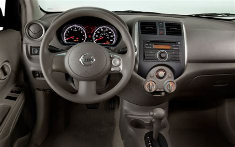 2011 nissan versa interior 2012 nissan versa reviews and rating motor trend