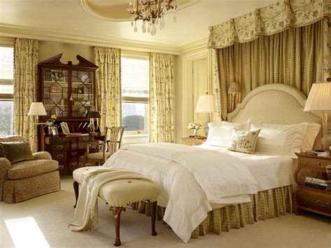 Decorating Ideas For Small Bedroom Colonial Style Master Bedroom Photo 800x600