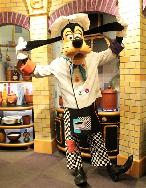 goofy s goofy s kitchen review disneyland resort the healthy mouse