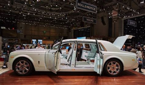rolls royce 2016 interior rolls royce 2017 find out for yourself new world
