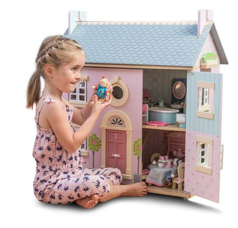 le toy van bay tree dolls house le toy van daisylane bay tree doll house