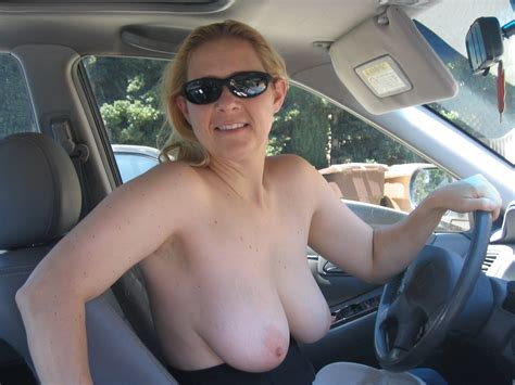 Mom Flashing Ass In Car