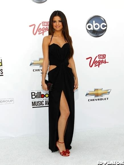 Dress Selena Ready 151 best looks images on burgundy rugs carpet looks and