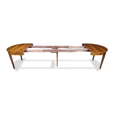Esstisch Oval by Ausziehbarer Ovaler Esstisch Aus Nussbaum Bei Stilwohnen